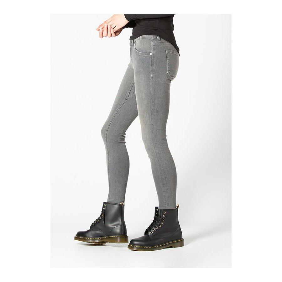 מכנסי ג'ינס לנשים - Performance Denim Skinny - duer